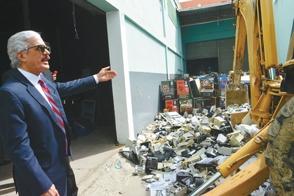 hacienda-destruye-8000-maquinas-ilegales