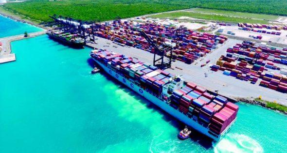 La-llegada-de-este-buque-posiciona-al-Puerto-Multimodal-Caucedo-como-el-de-mayor-productividad-y-eficiencia-de-la-región-800x429