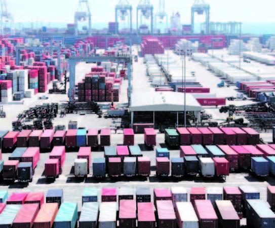 España-consigue-igualar-la-media-mundial-en-exportaciones-543x450